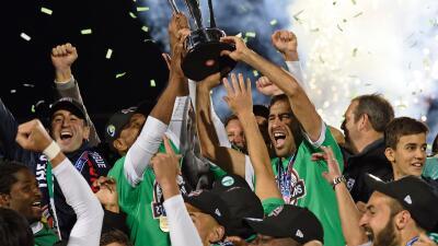 Raúl se despidió como campeón con el Cosmos