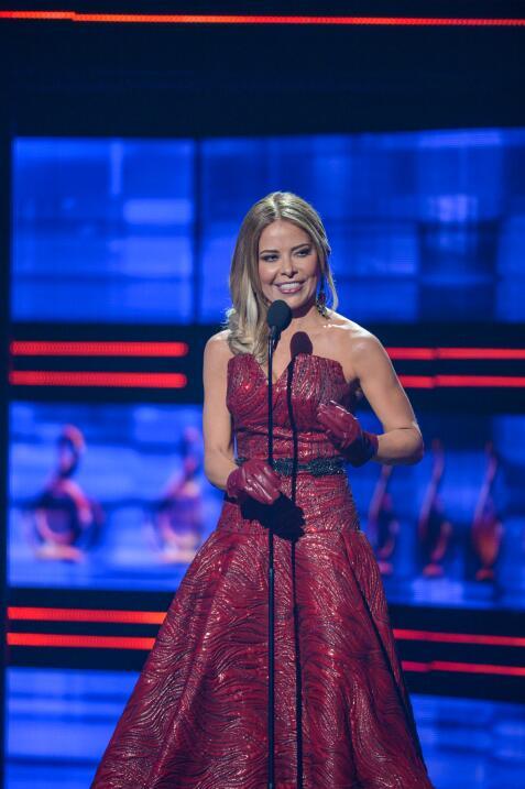 Gloria Trevi fue la encargada de presentar el Premio Lo Nuestro a La Tra...