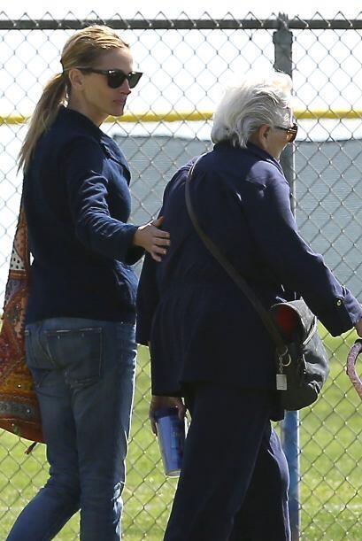 Julia Roberts visita a su madre, tras la tragedia de la muerte de su med...