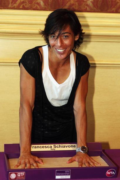 7° De Italia, Francesca Schiavone, quien ayudó a su equipo en la Copa Fe...