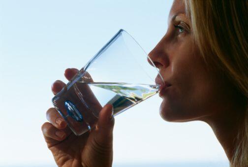 Favorece la eliminación de líquidos Por otra parte, si lo que tienes es...