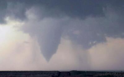 Se reportan 26 tornados en las últimas 24 horas en al menos cinco estado...
