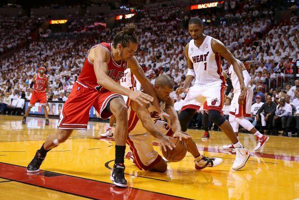 47. Chicago Bulls  Valor: $800 millones.  Dueño: Jerry Reinsdorf.