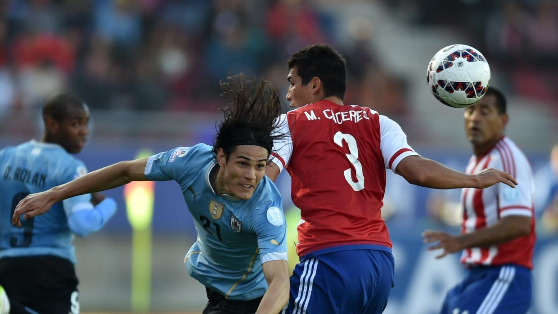 Cavani remata ante la marca de Cáceres. Uruguay lo intentó más.