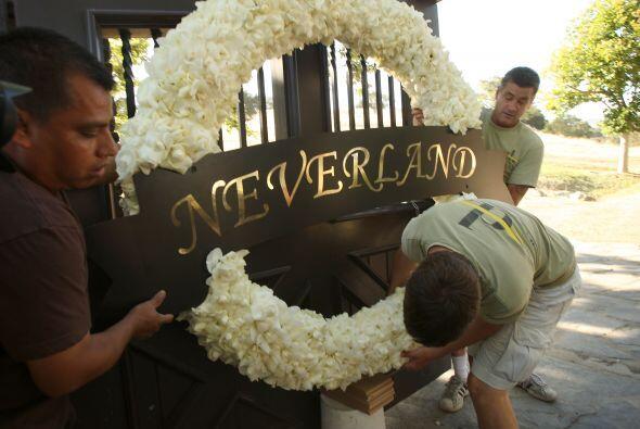 """Los admiradores de Michael Jackson esperaban que """"Neverland"""" se convirti..."""
