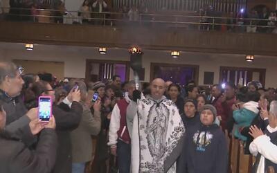 Ciudadanos en Nueva Jersey conmemoran una misa en honor a la Virgen de G...