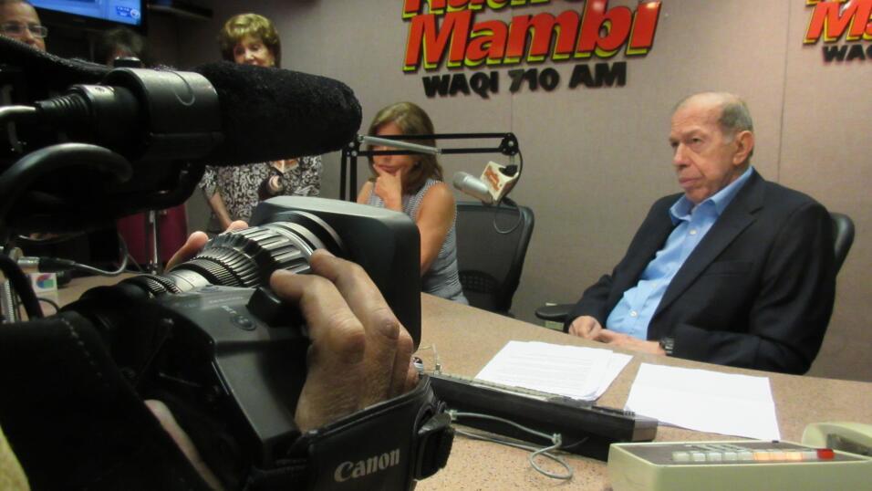 Radio Mambí le da una bella despedida a Armando Pérez Rourá