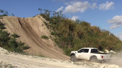 La Ford Raptor 2017 demuestra su capacidad de subir pendientes