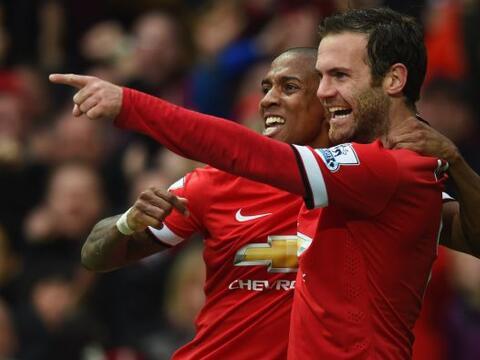 Los Diablos Rojos vencieron por goleada al Manchester City en el derby d...