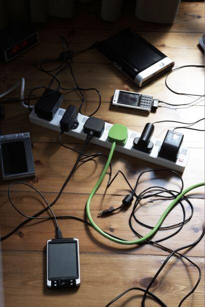 Basura tecnológica. Hoy en día, móviles y 'laptops' de dos o tres años s...