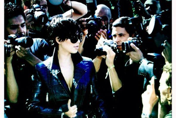 Kim se ha vuelto una de las famosas más perseguidas por los paparazzis,...