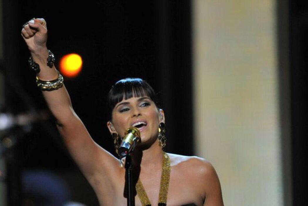 La cantante se ha involucrado con la audiencia latina, luego de la publi...