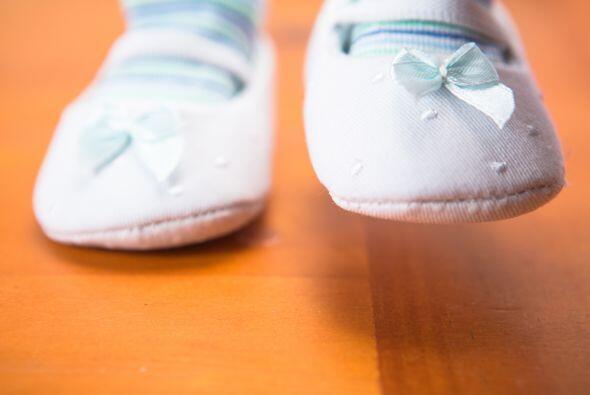 Si tu bebé ya camina, pídele que como ejercicio, lo haga descalzo, de pu...