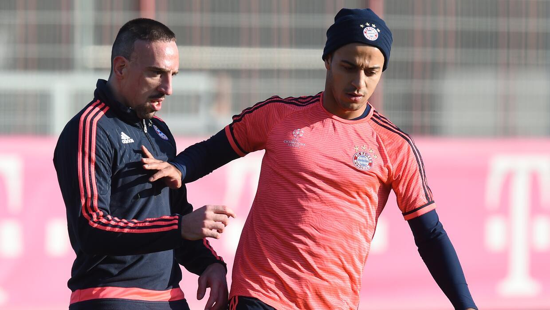 Thiago Alcántara regresó a la práctica del Bayern
