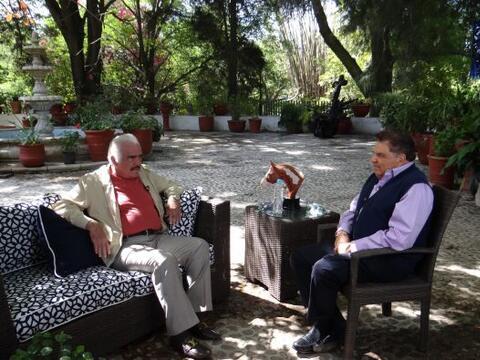 Vicente Fernández, uno de los artistas más importantes de...