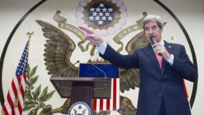 John Kerry en su gira por Asia.