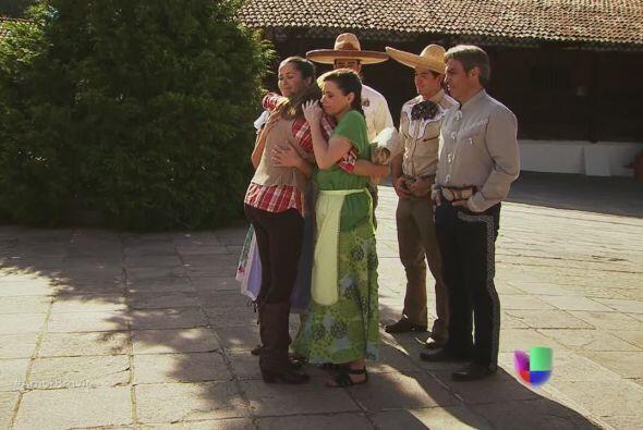 Todos en La Malquerida están dispuestos a ayudar a Camila de manera inco...