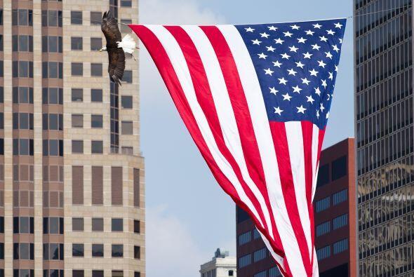 Dentro y fuera de los estadios ondeaban las banderas estadounidenses.