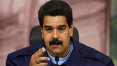 Maduro señaló querespondería con contundencia a cualquier intervencioni...
