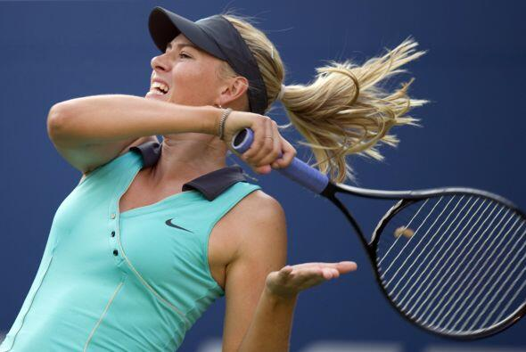 La rusa Maria Sharapova vino de atrás tras ceder el primer set y derrotó...