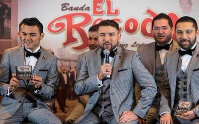 La Banda el Recodo y Los Recoditos, ¿a favor o en contra de legalizar la...