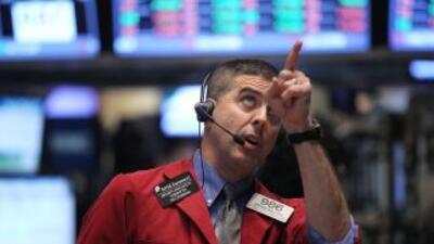 Por su parte, el Nasdaq cayó 1.45% y el Standard & Poor's 500 bajó 1.25%.