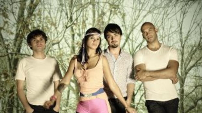 Bomba Estéreo está nominado comoMejor Álbum de Música Alternativa graci...