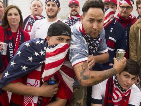Las afición de Estados Unidos se dejó ir al Estadio de la...