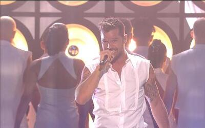Ricky Martin cantó 'come with me' en Premios Juventud 2013