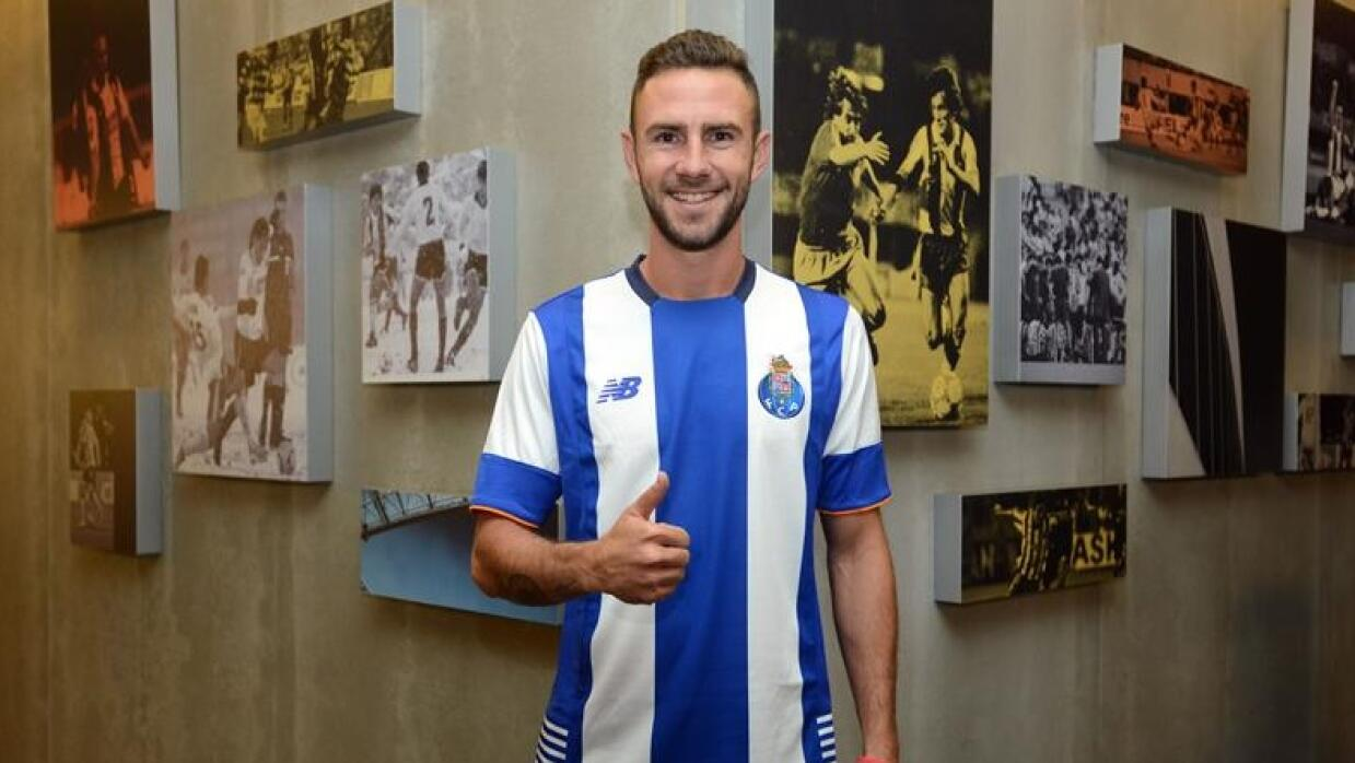 El jugador mexicano llegó al Porto en calidad de prestamo