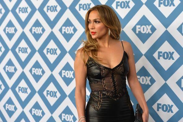 La actriz y cantante llegó a una fiesta de televisión con...