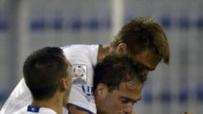 Tras el 3-1 ante Peñarol, Vélez se afirmó como único líder del Grupo 4,...