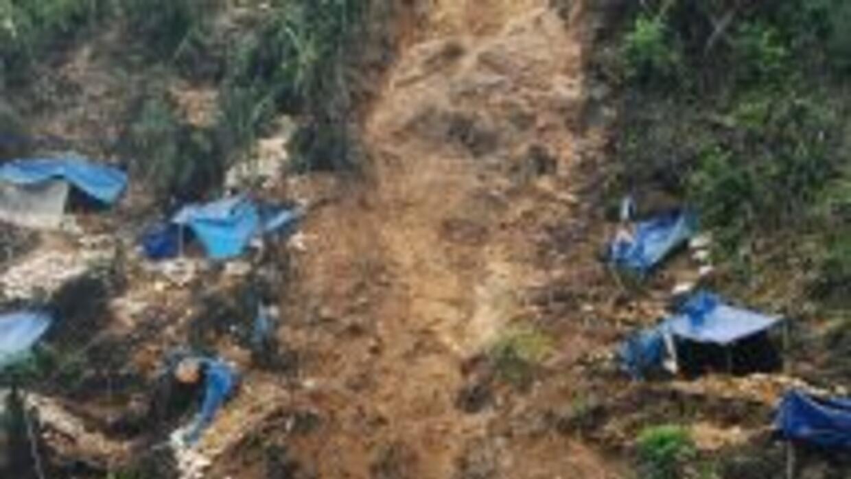 Los atrapados son trabajadores de una firma subsidiaria de China Nationa...