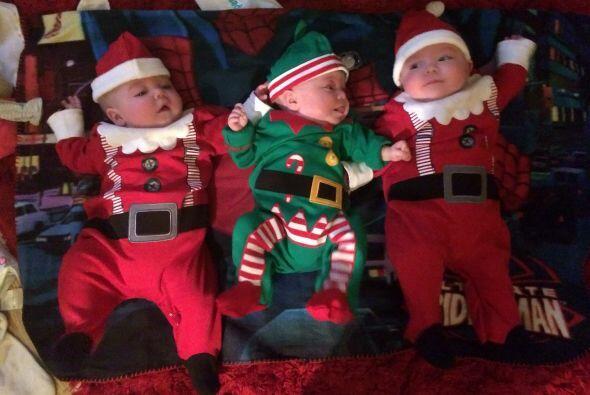 Las hermosas bebés estuvieron muy 'ad hoc' en sus atuendos en las fiesta...