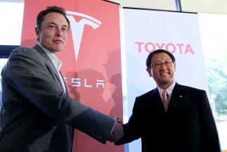 Tesla Motors y Toyota firmaron un acuerdo para desarrollar una versión e...