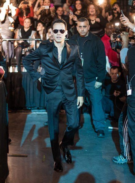Como los grandes divos,  Marc Anthony  subió al escenario entre el fervo...
