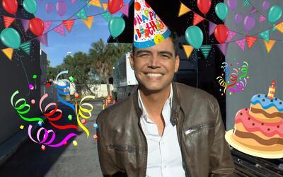 Orlando Segura está de cumpleaños y quiere que adivines su edad