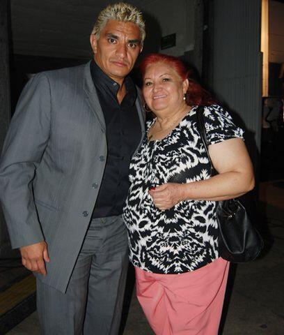 Shocker y su mamá...El ser Madre de un luchador también tiene su lado di...