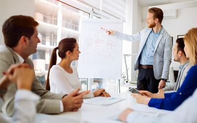 ¿Es mejor tener como jefe un hombre o una mujer? Experta laboral responde