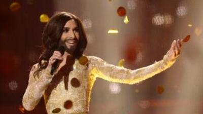 Tom Neuwirth ganó un concurso de canto caracterizado como el personaje d...