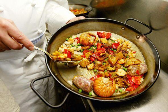 Paella vegetariana: Las paellas generalmente tienen carne y mariscos per...