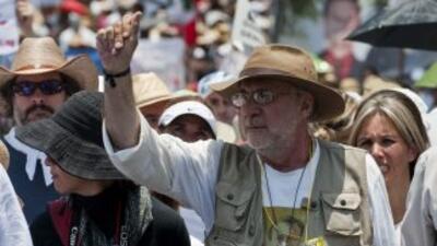 Cientos de personas iniciaron en Cuernavaca (centro) una caravana que cu...