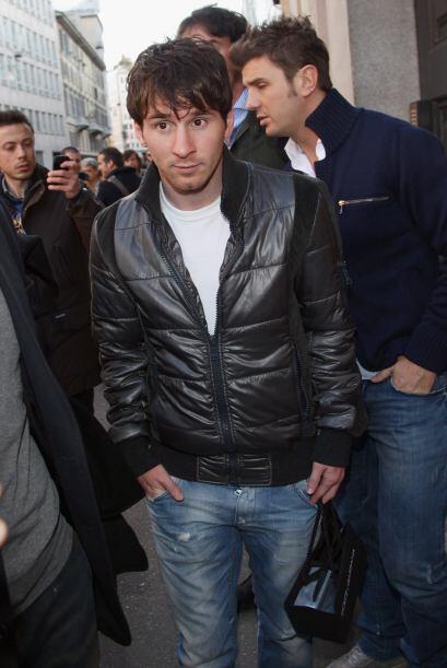 Vaya sorpresa que dio el astro argentino Lionel Messi al aparecerse por...
