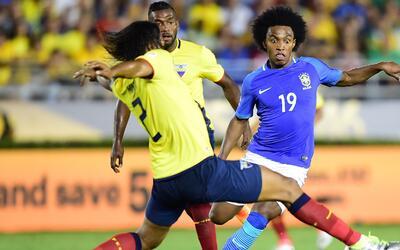 Con polémica incluida, Brasil y Ecuador empataron sin goles