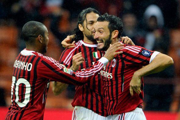 Zambrotta ha militado en equipos como el Bari, Juventus y Barcelona.