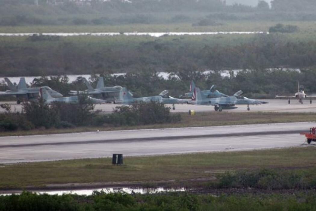 """Objetivos de la Red Avispa: """"Operación Aeropuerto"""" Infiltrar la Base Aer..."""