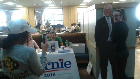 Estudiantes pro-Bernie Sanders en la Universidad de Colorado en Boulder