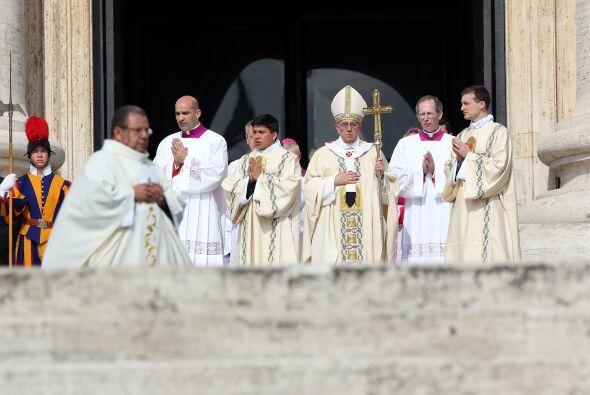 12 mayo: Se realizaron las primeras canonizaciones de su pontificado: la...
