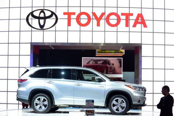 5. Toyota. Está mostrando signos de querer dejar atrás las...