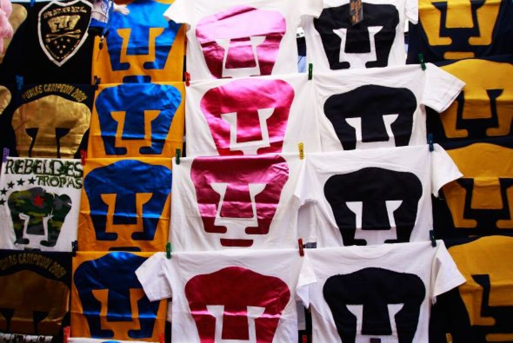 Otros prefieren la camiseta de su equipo mexicano de fútbol favorito.